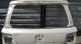 Крышка багажника Land Cruiser 200 (2008-2015) за 50 000 тг. в Алматы