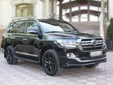 Toyota Land Cruiser 2019 года за 38 500 000 тг. в Алматы – фото 2