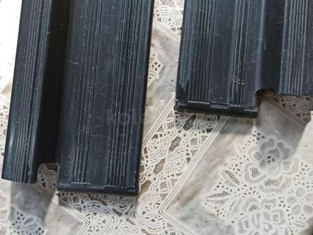 Накладки порогов внутренние на Мерседес 124 за 5 000 тг. в Алматы – фото 3
