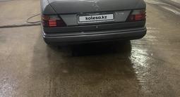 Mercedes-Benz E 200 1989 года за 800 000 тг. в Жезказган – фото 4