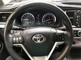 Toyota Highlander 2015 года за 17 500 000 тг. в Жанаозен