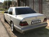 Mercedes-Benz E 280 1993 года за 2 300 000 тг. в Шымкент – фото 2