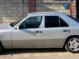 Mercedes-Benz E 280 1993 года за 2 300 000 тг. в Шымкент – фото 3