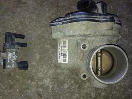 Вакуумный клапан. Дроссельная заслонка Мазда Форд за 112 тг. в Алматы