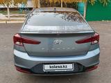 Hyundai Elantra 2019 года за 9 200 000 тг. в Уральск – фото 5