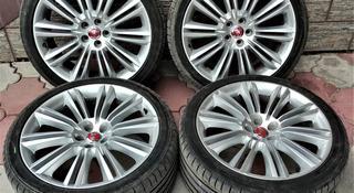 Комплект оригинальных дисков с резиной на Jaguar XJ за 570 000 тг. в Алматы