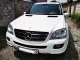 Mercedes-Benz ML 500 2007 года за 6 800 000 тг. в Алматы – фото 2