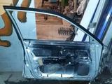 Двери передняя левая, задняя левая на Mitsubishi Lancer 1995 г… за 15 000 тг. в Караганда – фото 2