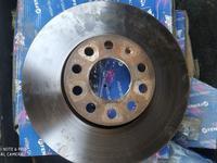 Тормозные диски passat b5 + за 5 000 тг. в Алматы