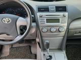 Toyota Camry 2010 года за 4 200 000 тг. в Атырау – фото 2