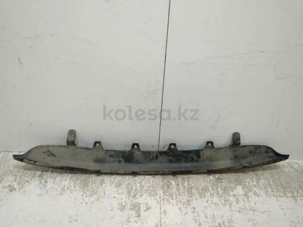 Накладка заднего бампера Toyota Camry 55 за 22 000 тг. в Костанай – фото 4