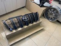 Решетка радиатора Toyota Land Cruiser Prado 150 за 60 000 тг. в Костанай