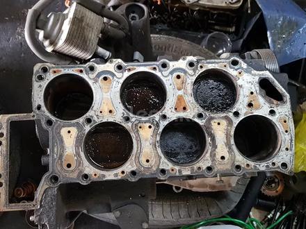 Блок двигателя Порше Кайен за 244 000 тг. в Алматы – фото 2