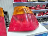Задний фонарь левый и правый на БМВ 3 Е46 за 25 000 тг. в Алматы – фото 3