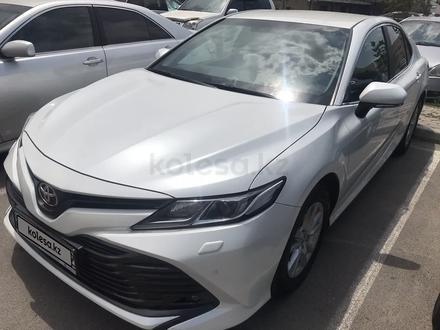 Toyota Camry 2018 года за 10 800 000 тг. в Алматы – фото 4