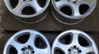 Диски с зимним шиной Triaangle на Mercedes-Benz 210 124 комплект за 190 000 тг. в Шымкент