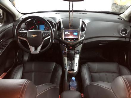 Chevrolet Cruze 2014 года за 4 500 000 тг. в Семей – фото 13