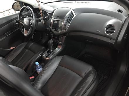 Chevrolet Cruze 2014 года за 4 500 000 тг. в Семей – фото 15