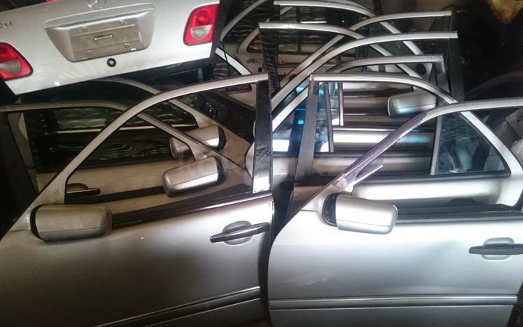 Дверь передняя задняя седан универсал Mercedes Benz за 14 999 тг. в Алматы