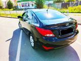 Hyundai Solaris 2016 года за 4 800 000 тг. в Актобе – фото 3