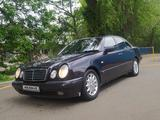Mercedes-Benz E 240 1999 года за 2 400 000 тг. в Алматы – фото 2