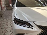 Lexus ES 250 2018 года за 20 500 000 тг. в Алматы