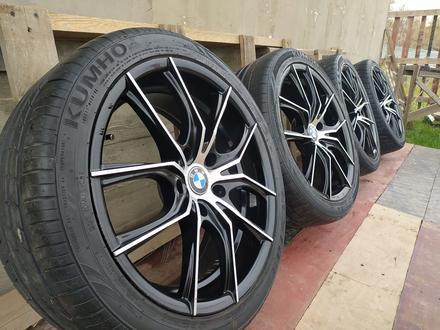 Диски с резиной на BMW 235/40/R18 за 140 000 тг. в Алматы – фото 3