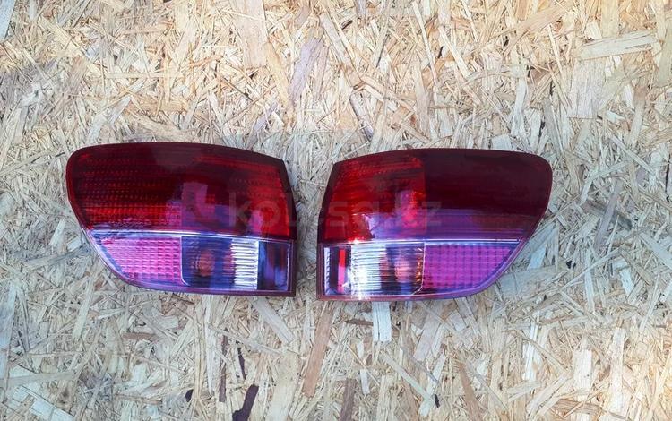 На Toyota Vista фонарь рестаил за 10 000 тг. в Алматы