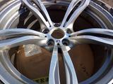Оригинальный диск BMW М5 F10 Style 343M за 100 000 тг. в Нур-Султан (Астана)