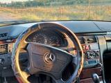 Mercedes-Benz E 240 1997 года за 1 900 000 тг. в Шымкент – фото 2