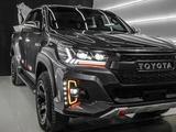 Передние фары на Toyota Hilux Revo 2016-20 стиль AUDI за 230 000 тг. в Тараз – фото 5