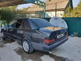 Mercedes-Benz E 230 1986 года за 1 000 000 тг. в Шу – фото 2