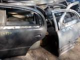 Двери на toyota Аристо 147 и 160 кузов за 5 000 тг. в Алматы
