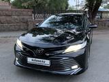 Toyota Camry 2019 года за 14 300 000 тг. в Алматы – фото 2