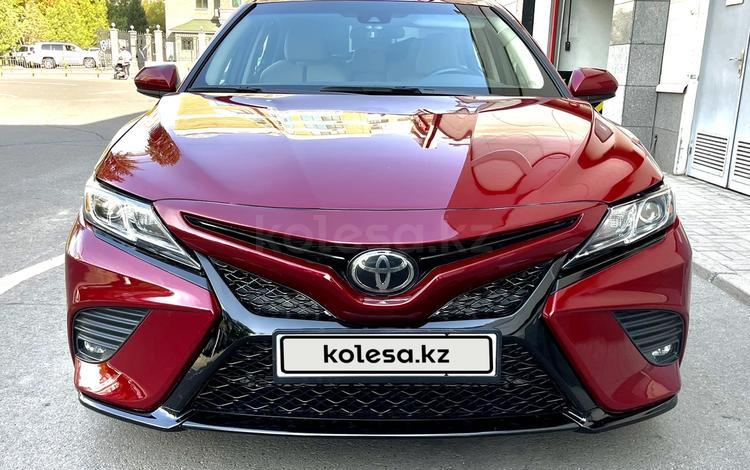 Toyota Camry 2019 года за 11 300 000 тг. в Алматы
