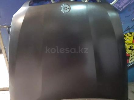 BMW x6 e71 капот за 250 000 тг. в Алматы