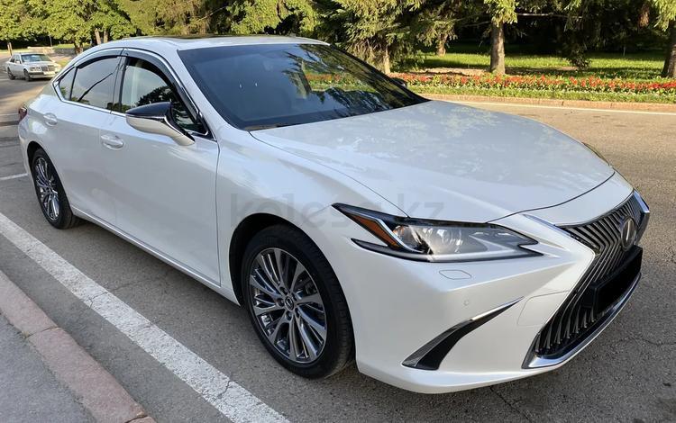 Lexus ES 250 2019 года за 20 500 000 тг. в Алматы
