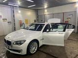 BMW 750 2013 года за 10 000 000 тг. в Алматы