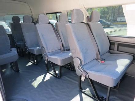 Перевозка пассажиров на комфортабельных микроавтобусах и автобусах в Шымкент – фото 29