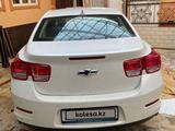 Chevrolet Malibu 2015 года за 4 600 000 тг. в Алматы – фото 2