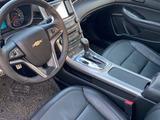 Chevrolet Malibu 2015 года за 4 600 000 тг. в Алматы – фото 4