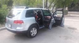 Volkswagen Touareg 2005 года за 3 600 000 тг. в Павлодар – фото 4