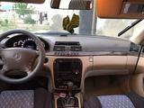 Mercedes-Benz S 320 1999 года за 2 500 000 тг. в Кульсары – фото 2