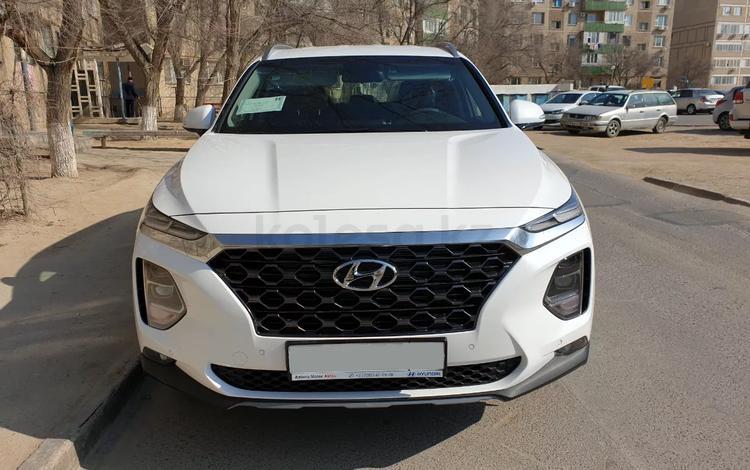 Hyundai Santa Fe 2019 года за 13 200 000 тг. в Актау