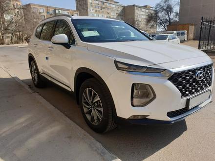 Hyundai Santa Fe 2019 года за 13 200 000 тг. в Актау – фото 2