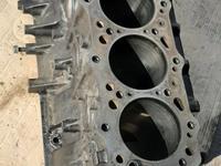 Блок двигателя 4М40 за 85 000 тг. в Алматы