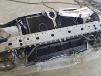 Телевизор в сборе с подрадиаторной балкой от мерседес Е210 за 40 000 тг. в Атырау
