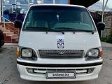 Toyota HiAce 2005 года за 3 600 000 тг. в Алматы