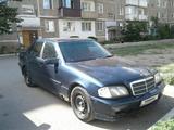 Mercedes-Benz C 200 1997 года за 950 000 тг. в Караганда – фото 2