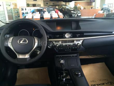 Lexus ES 250 2015 года за 12 000 000 тг. в Актобе – фото 2